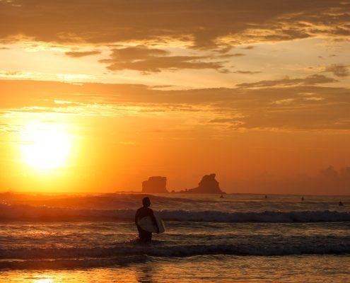 Ayampe Pata Sudaka Surf Camp