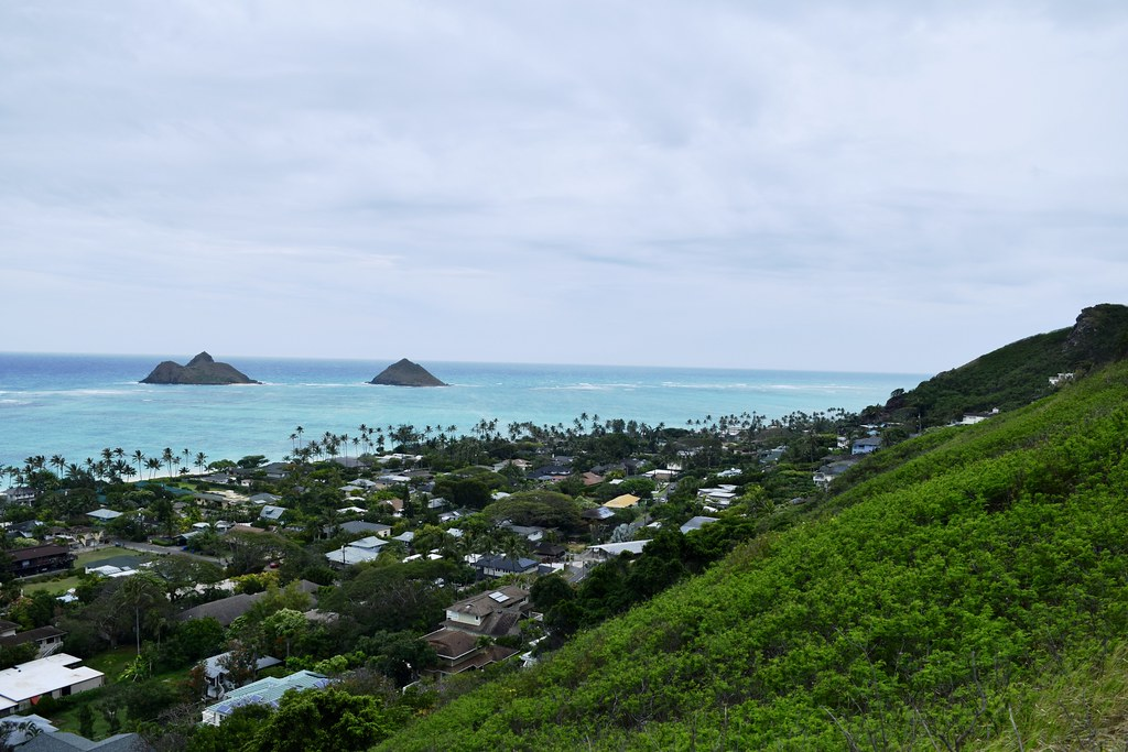 Lanikai Pillboxes Hiking