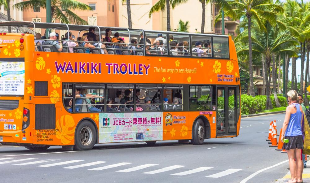 waikiki trolley in oahu
