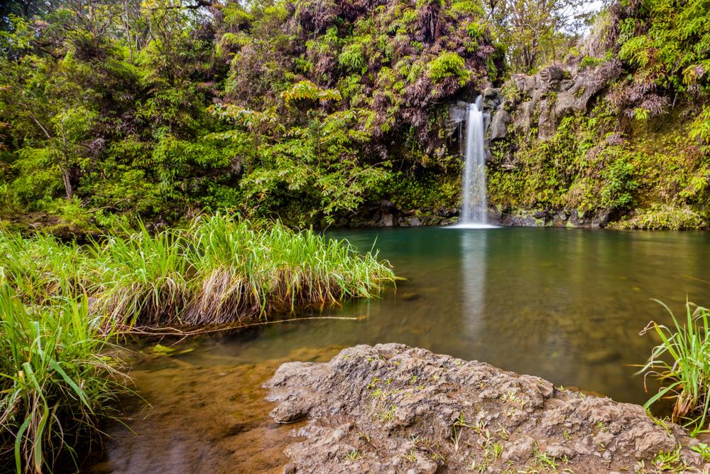 beautiful waterfall in kaau crater tail
